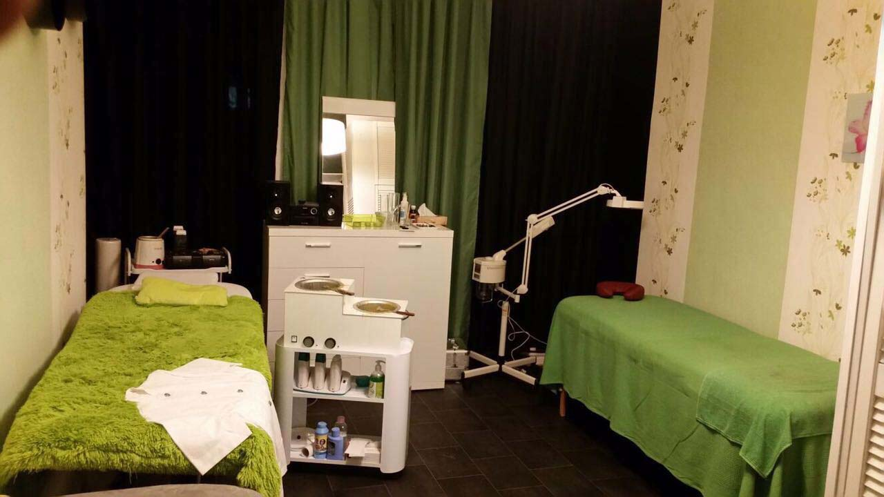 studio mieten diamond beauty kreuzberg. Black Bedroom Furniture Sets. Home Design Ideas